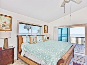 Sun Dancer Rental VB - Master bedroom-HirdJ-3